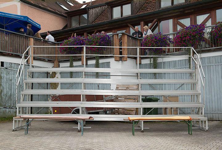Foto Weidner Hochzeitsfotos Gruppenfoto Oberpfalz Regensburg Tribüne