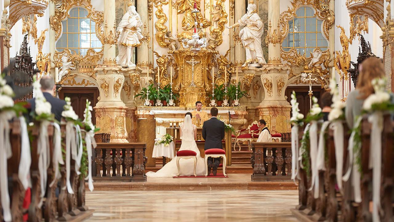 Reportage Hochzeitsfotos Bei Standesamt Kirche Feier Foto Weidner