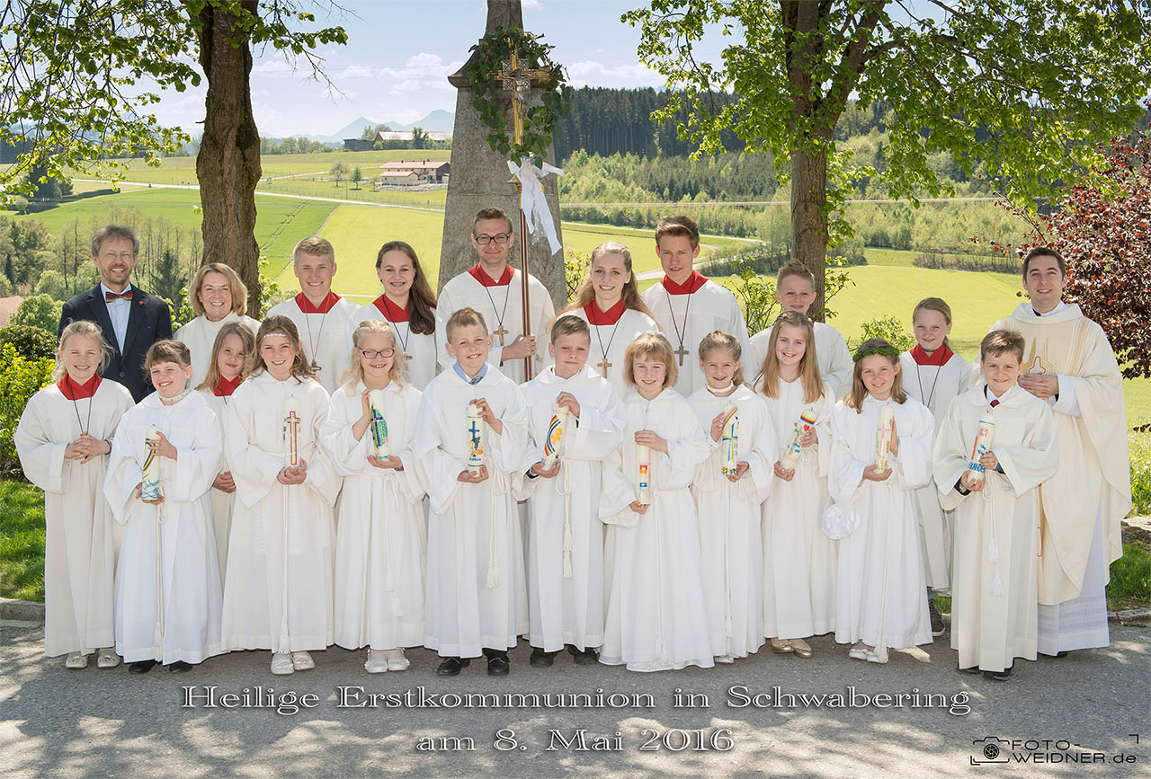 Gruppenfoto Erstkommunion Schwabering 2016