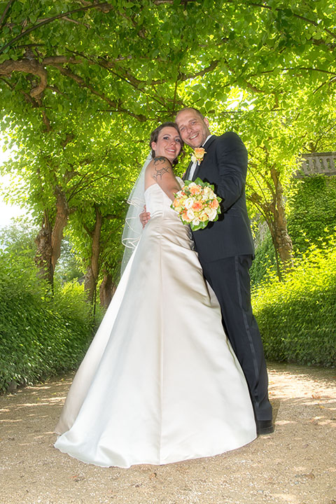 Foto-Weidner-Hochzeitsfotograf-Wuerzburg-Hochzeitsfotos-Portraits-Hofgarten-Residenz-Brautpaar-Pergola