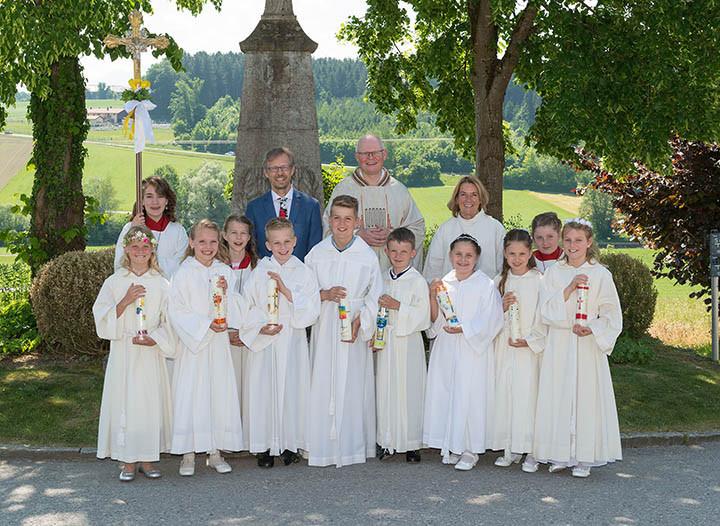 Gruppenfoto Erstkommunion Schwabering 2018 unbearbeitet